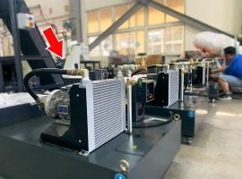 槍鑽深孔加工,透過風冷式 OCS-主動恆溫油冷卻機,散熱降溫